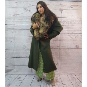 Bill Blass green wool mix coat with Racoon collar
